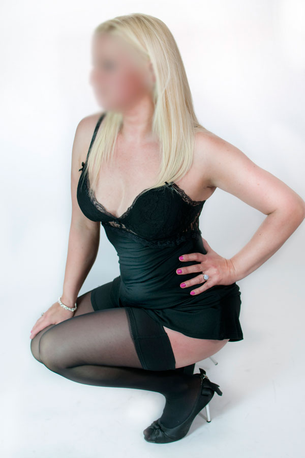 closeup high class escorts glasgow